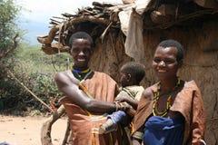 África, Tanzania, gente Datoga de las familias foto de archivo libre de regalías