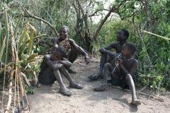África, Tanzania, mens de los aboriginals Fotos de archivo