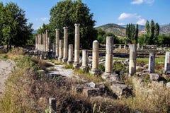 Ágora antiga com colunas do Dorian Fotos de Stock Royalty Free