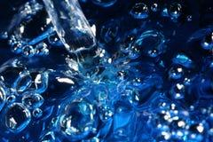 Água azul ocupada fotografia de stock