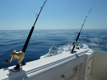 Água azul que pesca à linha fotografia de stock