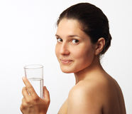 Água bebendo da mulher bonita Fotos de Stock Royalty Free