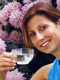 Água bebendo da rapariga Imagem de Stock