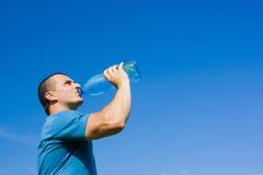 Água bebendo do homem Foto de Stock