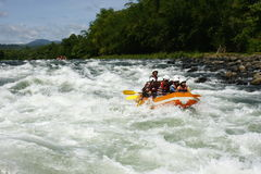 Água branca que transporta em Cagayan de Oro Filipinas fotografia de stock royalty free