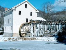Água congelada no moinho Imagem de Stock Royalty Free