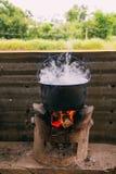 Água da fervura com fogão fotografia de stock