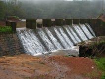 Água da represa foto de stock