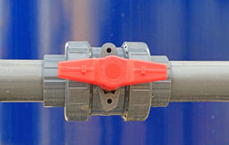 Água da válvula do PVC na estação do tratamento Fotografia de Stock Royalty Free