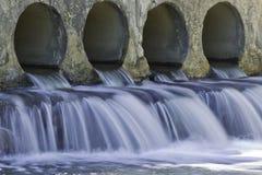 Água de chuva de fluxo Foto de Stock Royalty Free