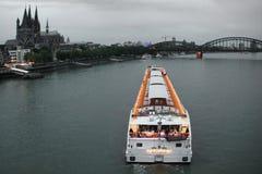Água de Colônia do cruzamento do navio de cruzeiros Fotos de Stock Royalty Free