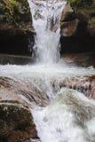 Água de conexão em cascata em quedas de Sabbaday Fotos de Stock Royalty Free