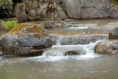 Água de conexão em cascata no verão Imagens de Stock Royalty Free