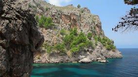 Água de cristal clara, ilha de Mallorca, Balearic Island, Espanha filme