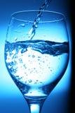 Água de derramamento Foto de Stock Royalty Free