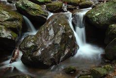 Água de fluxo Imagens de Stock Royalty Free
