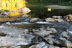Água de fluxo foto de stock