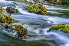 Água de fluxo Fotos de Stock