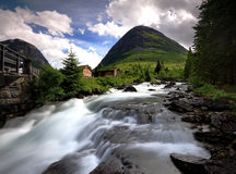 Água de fluxo rápida de Trollstigen Fotografia de Stock