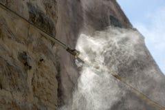 Água de pulverização com um sistema da formação da névoa fotos de stock