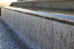 Água de queda artificial Fotografia de Stock