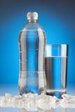 Água de tabela refrigerada Fotografia de Stock