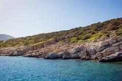 Água de turquesa perto da praia no recurso turco do mar egeu da costa, Fotos de Stock Royalty Free