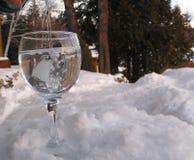 Água de vidro no rock2 Imagem de Stock