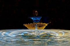 A água deixa cair a escultura Imagem de Stock Royalty Free