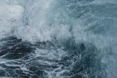 Água do ‹do †do ‹do †do mar que move-se pelo barco de motor imagens de stock
