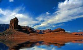 Água do deserto ilustração do vetor