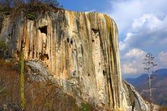 Água do EL de Hierve, cachoeira hirto de medo em Oaxaca VIII Foto de Stock Royalty Free