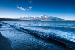 Água do lago Rakshasta Foto de Stock