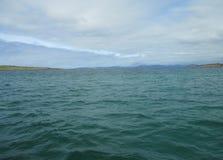 Água do mar do azul de turquesa no som de Iona, Escócia Foto de Stock Royalty Free