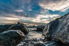 Água do mar entre rochas (2) Fotografia de Stock