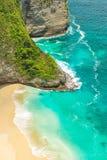 Água do mar só do azul de turquesa das rochas da praia da areia imagens de stock royalty free