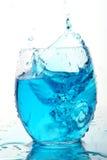 Água do respingo com caixa de gelo Fotografia de Stock