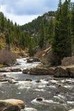 Água do rio de pressa do córrego através da garganta Colorado de onze milhas Imagens de Stock Royalty Free