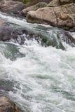 Água do rio de pressa do córrego através da garganta Colorado de onze milhas Foto de Stock