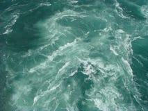 Água do rio poderosa Fotografia de Stock