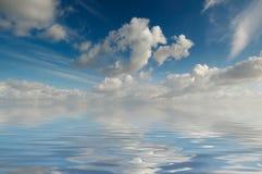 Água e céu fotografia de stock