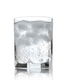 Água em um vidro com gelo foto de stock royalty free