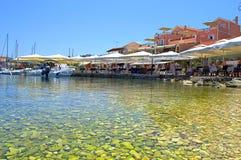Água esmeralda do beira-mar, Kefalonia Imagens de Stock Royalty Free