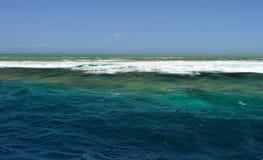 Água, mar céu, ondas Austrália, grande recife de coral foto de stock