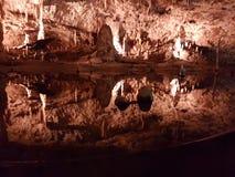 Água nas cavernas Fotos de Stock