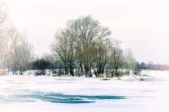 Água, neve e gelo congelados no rio de Dnieper Fotografia de Stock Royalty Free