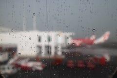 Água que chove a foto do borrão Fotografia de Stock
