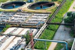 Água que recicl a estação da água de esgoto Imagem de Stock