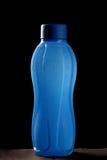 Água refrigerada da garrafa sagacidade azul Imagens de Stock Royalty Free