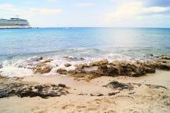 Água sobre rochas Imagem de Stock